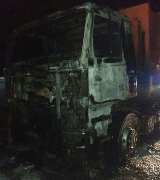 НаЛьвовщине ночью находу зажегся мусоровоз, шофёр умер