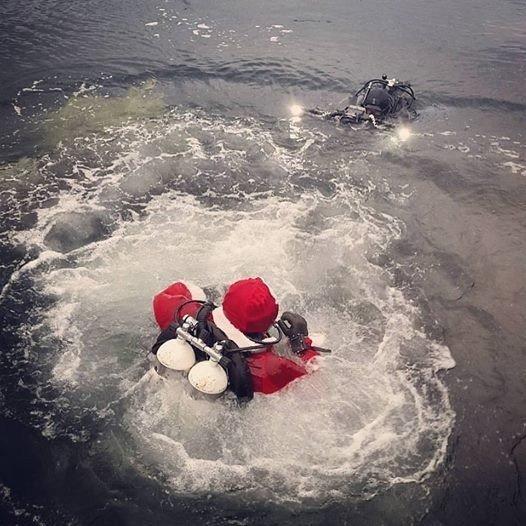 В Одесском заливе дайверы нарядили елку на 20-метровой глубине