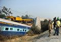 Авария пассажирского поезда около Канпуром в северном штате Уттар-Прадеш, Индия