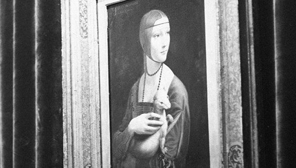 Картина Дама с горностаем художника Леонардо Да Винчи