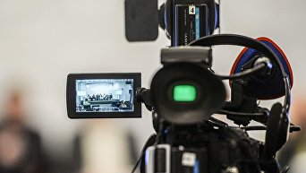 Журналисты, камера, пресс-конференция