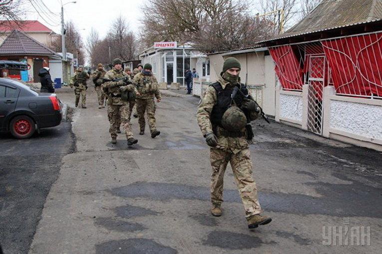 Спецоперация по задержанию подозреваемого в убийстве женщины и ребенка в Одессе