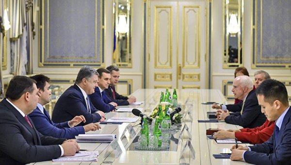 Встреча Петра Порошенко и сенатора Джона Маккейна