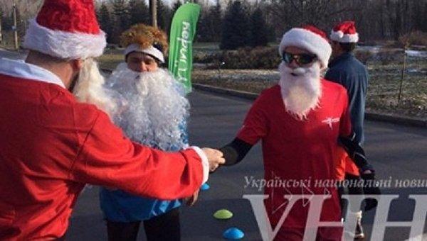 Забег Санта Клаусов в Киеве