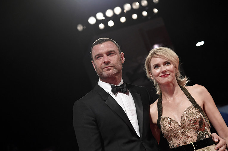 Голливудские актеры Лив Шрайбер и Наоми Уоттс