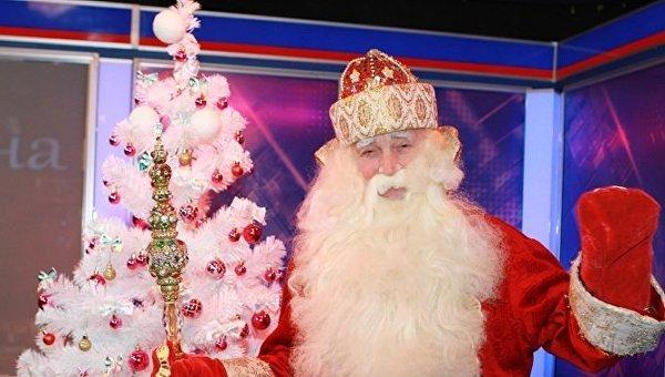 Заслуженный артист Украины Евгений Плаксин в образе Деда Мороза