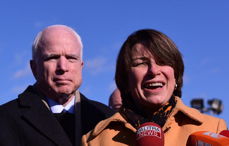 Визит делегации американских сенаторов в Грузию. Сенаторы США Джон Маккейн и Эми Клобучар
