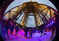 Каток на Эйфелевой башне, Париж, Франция