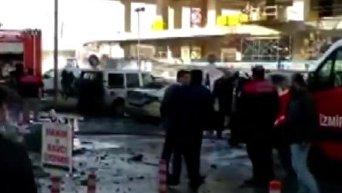 Последствия взрыва заминированного авто в Измире