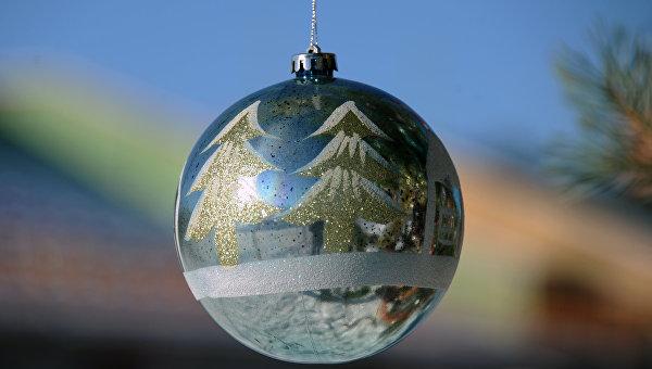 Игрушка на новогодней елке. Архивное фото