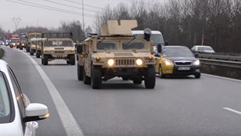 Переброска армейских джипов Humvees армии США в Польшу