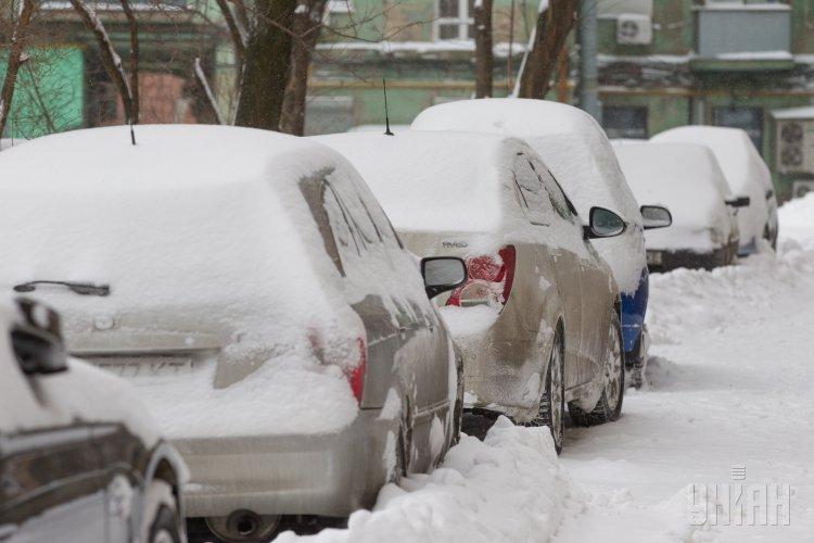 Битва со снегом на дорогах Киева
