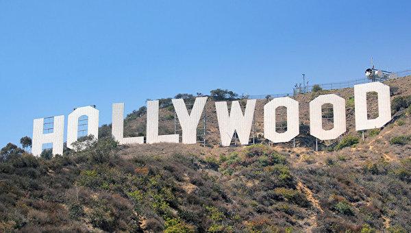 Известная надпись Голливуд в Лос-Анджелесе