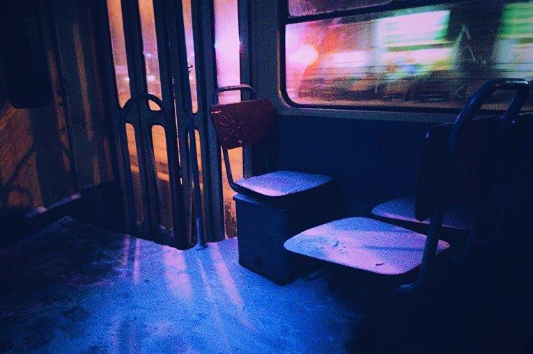 Заснеженный транспорт в Киеве