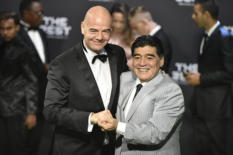 Президент ФИФА Джанни Инфантино и легенда мирового футбола Диего Марадона