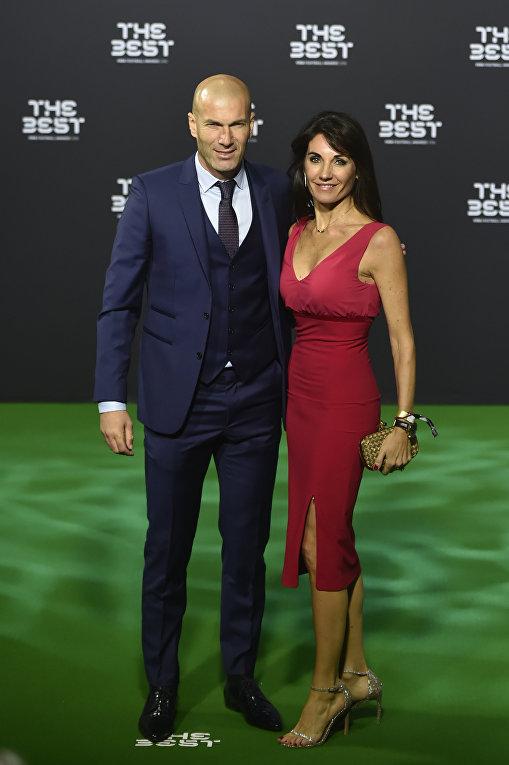 Главный тренер ФК Реал-Мадрид Зинедин Зидан с супругой.