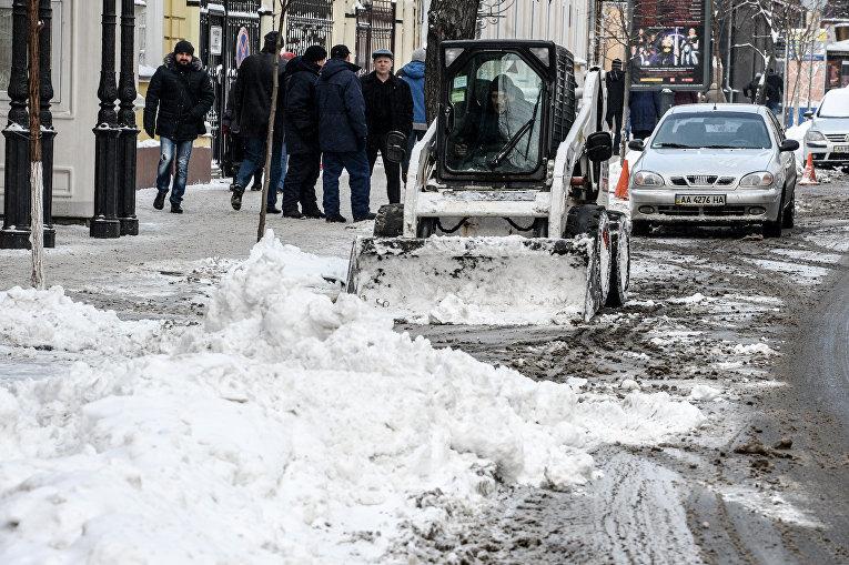 Дороги и тротуары Киева в снежную погоду
