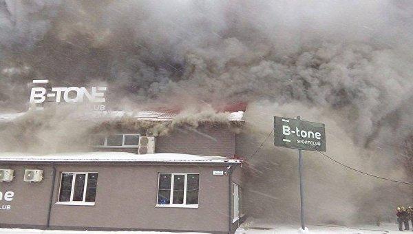 Пожар в спортивном клубе в Сумах