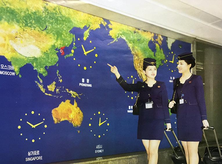 Северокорейские стюардессы.