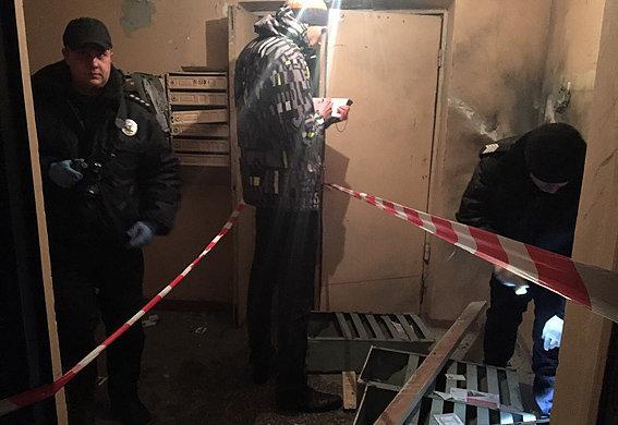 Вкиевском подъезде мужчина пострадал отвзрыва, открыв почтовый ящик