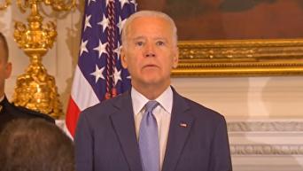 Байден прослезился при получении президентской медали. Видео
