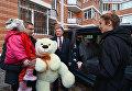Визит Порошенко в Одесскую область. Визит к многодетной семье и подарок автомобиль