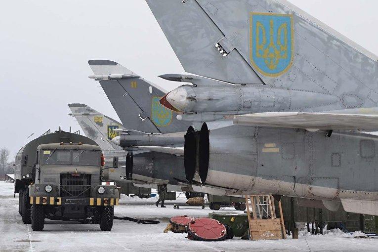 Первые после Нового года учебные полеты бомбардировочной авиации ВВС Украины в Хмельницкой области