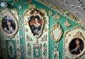 Пенсионер расписал подъезд в стиле барокко в Киеве