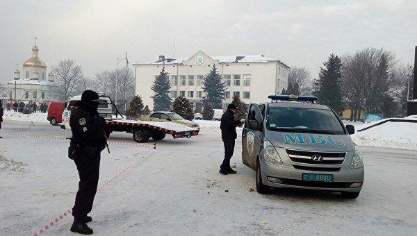 Центр Олевска Житомирской области под охраной правоохранителей после ночной перестрелки