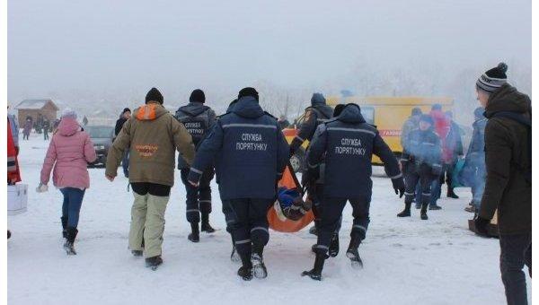 ВЧеркассах впроцессе погружения 80-летняя женщина потеряла сознание