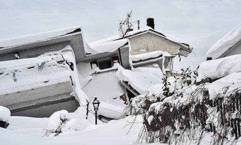 Италия: землетрясение и сход лавины