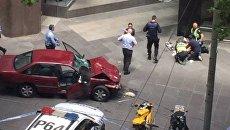 В Мельбурне автомобиль въехал в толпу