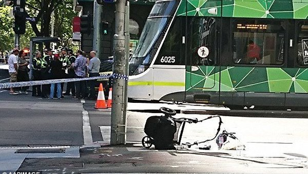 ВМельбурне при наезде машины натолпу пострадали 20 человек