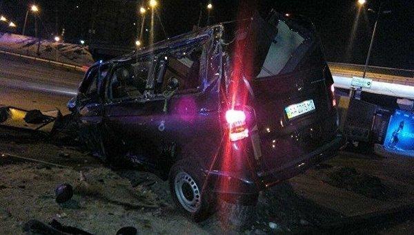 ВКиеве нетрезвый шофёр ночью влетел впереход наметро «Харьковская»