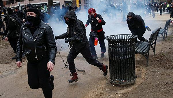 Протесты в Вашингтоне в день инаугурации Дональда Трампа