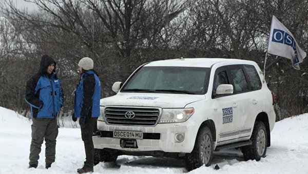 Замглавы миссии ОБСЕ в Украине А. Хуг посетил Александровскую школу