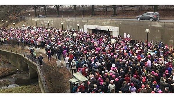 Вевропейских странах тысячи женщин протестуют против Трампа