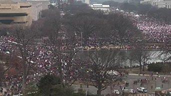 Сотни тысяч вышли на Марш женщин против Трампа. Видео