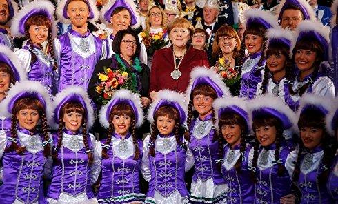 Меркель посетила ежегодный прием представителей карнавальных сообществ