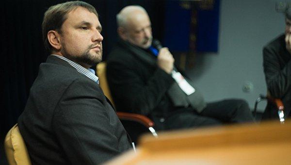 «Оппоблок» потребовал отставки Вятровича из-за вероятной отмены 8марта и9мая