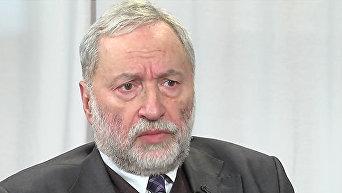 Сопредседатель Ассоциации еврейских организаций и общин Украины, член наблюдательного совета Украинского Хельсинского союза по правам человека Иосиф Зисельс.