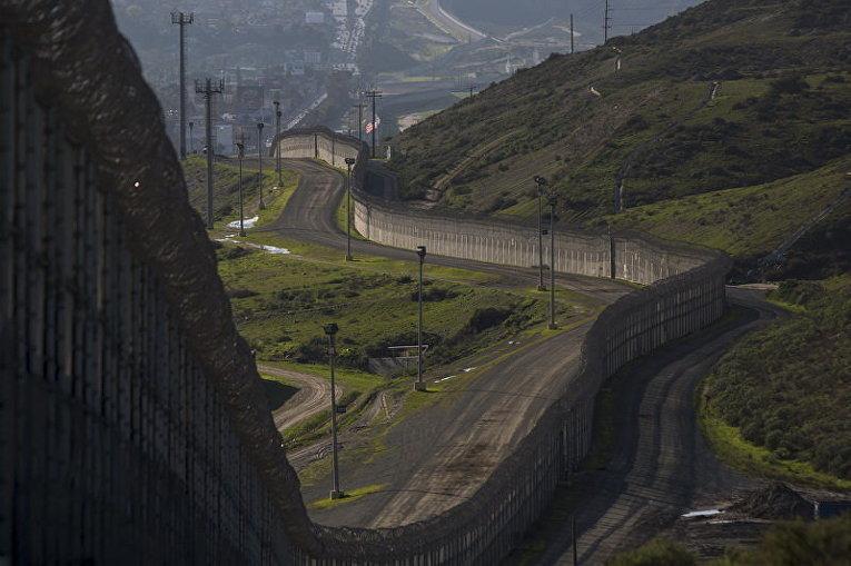 Трамп подписал указы обужесточении иммиграционной политики