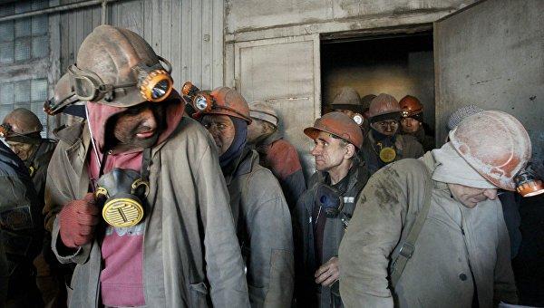В Донецке все 207 горняков выведены из обесточенной в результате обстрела шахты имени Засядько