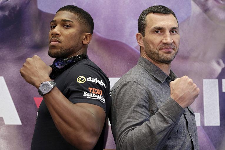 Британский боксер Энтони Джошуа и украинец Владимир Кличко в Нью-Йорке на пресс-конференции