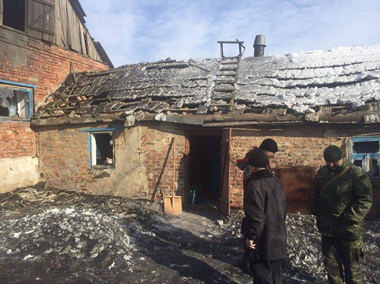 Последствия обстрела Авдеевки. Кадры полиции Донецкой области