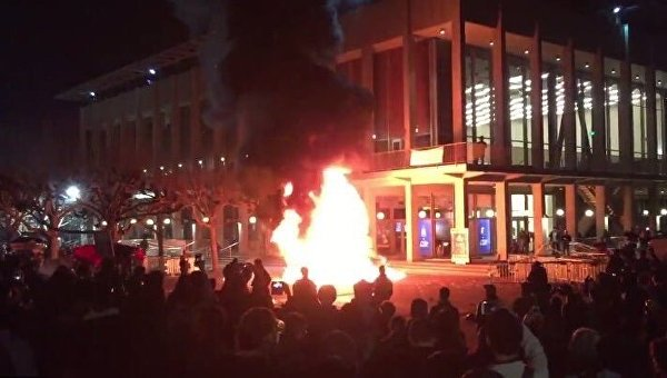 Вуниверситете Беркли вКалифорнии вспыхнули беспорядки
