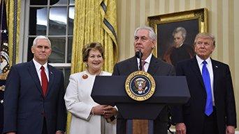 Майк Пенс, Рекс Тиллерсон с супругой и Дональд Трамп