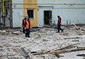 Последствия ночного обстрела в Донецке