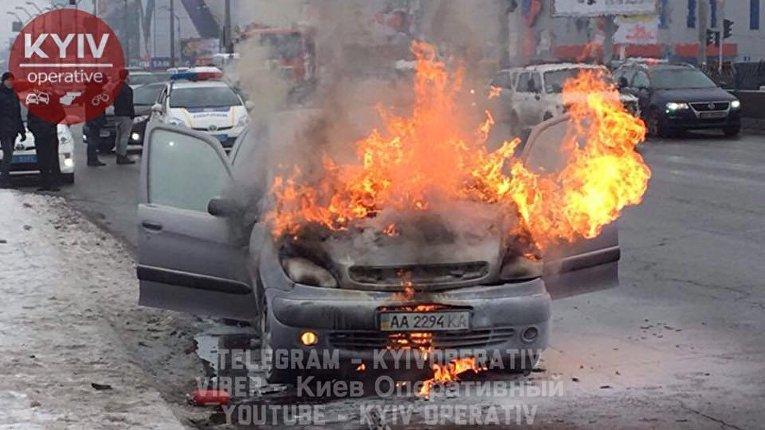 В Киеве на Петровке горел Citroen