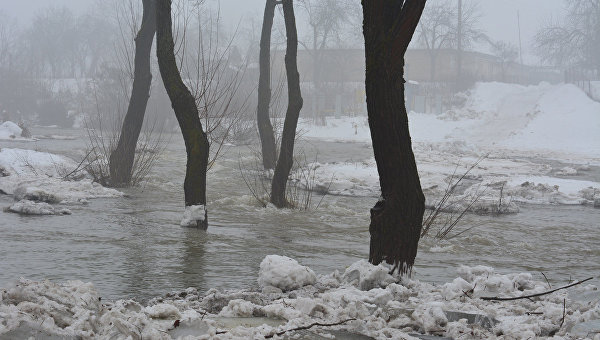 Подрыв ледовых заторов на реках Закарпатья